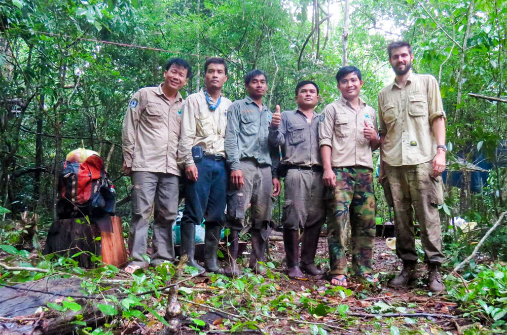 KSWS_BDM_The wildlife monitoring team looking tired but happy after completing the final transect