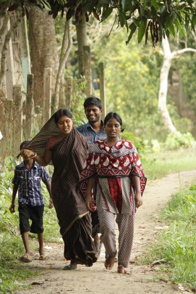 Bangladesh family on their way to the market