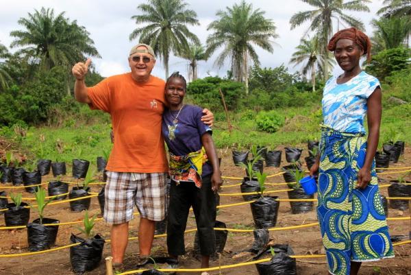 Istvan with women farmers