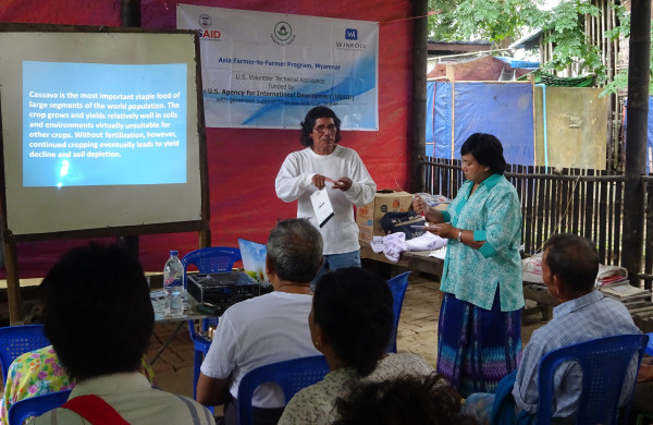 F2F volunteer Luis Manrique speaks to his audience of cassava farmers in Kyonpyaw