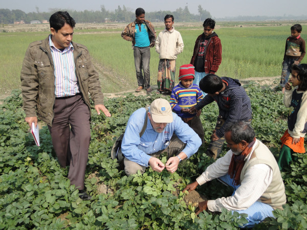 volunteer-mark-otto-_-improved-production-and-management-practices-of-potato-demonstrations_ban180