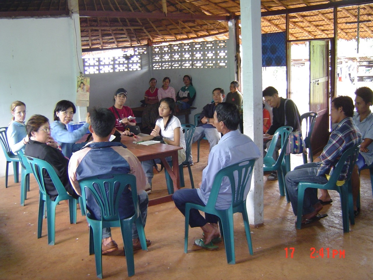 Vietnam-Thailand_Dr. Penporn meeting, Principal Research of the JDR 3RD Vietnam-Thailand research team, in Conservation Network in the community center.jpg